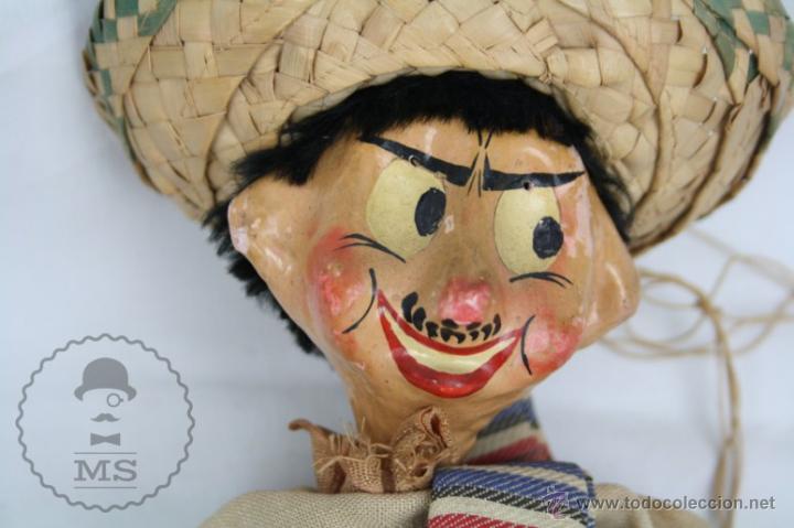 Juguetes antiguos y Juegos de colección: Antigua Marioneta de Cartón Piedra y Madera - Pistolero Mexicano - Restauración - 27 Cm Altura - Foto 3 - 48569097