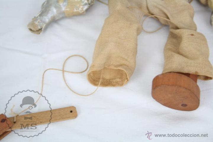Juguetes antiguos y Juegos de colección: Antigua Marioneta de Cartón Piedra y Madera - Pistolero Mexicano - Restauración - 27 Cm Altura - Foto 6 - 48569097
