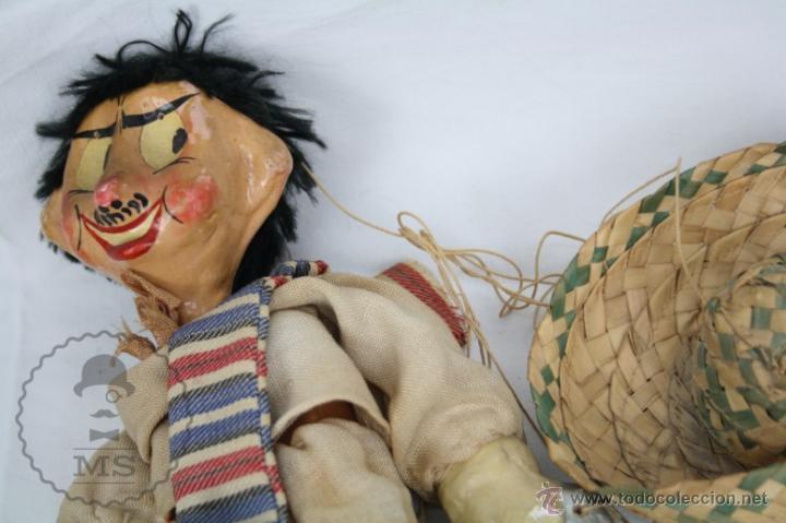 Juguetes antiguos y Juegos de colección: Antigua Marioneta de Cartón Piedra y Madera - Pistolero Mexicano - Restauración - 27 Cm Altura - Foto 9 - 48569097