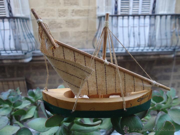 antiguo barco barquito madera y tela cadiz comprar en