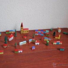 Juguetes antiguos y Juegos de colección: CASAS DE MADERA - CASITAS DE JUGUETE - CASA - CONSTRUCCIÓN - PUEBLO - CIUDAD - 55 UNIDADES. Lote 50721345