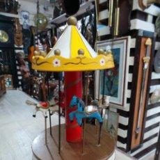 Juguetes antiguos y Juegos de colección: BONITO CARRUSEL TIO VIVO EN MADERA CON CABALLITOS. Lote 51447732