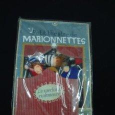 Juguetes antiguos y Juegos de colección: JUEGO DE PEQUEÑAS MARIONETAS PARA DEDO CO PEQUEÑO TEATRO - CAR65. Lote 51448339