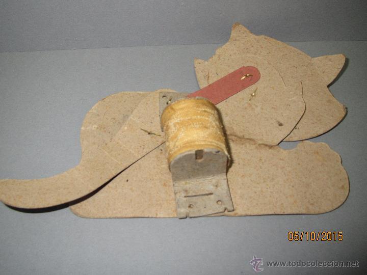 Juguetes antiguos y Juegos de colección: Antiguo Juguete *GATO CON MOVIMIENTO* de Cartón Litografiado con Fuelle Muelle Impulsor año 1940-50s - Foto 2 - 207040585