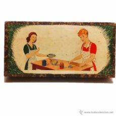Juguetes antiguos y Juegos de colección: ANTIGUO JUEGO DE COCINA MOLDE PARA RAVIOLIS EN ESTUCHE ORIGINAL AÑOS 40. Lote 46977140