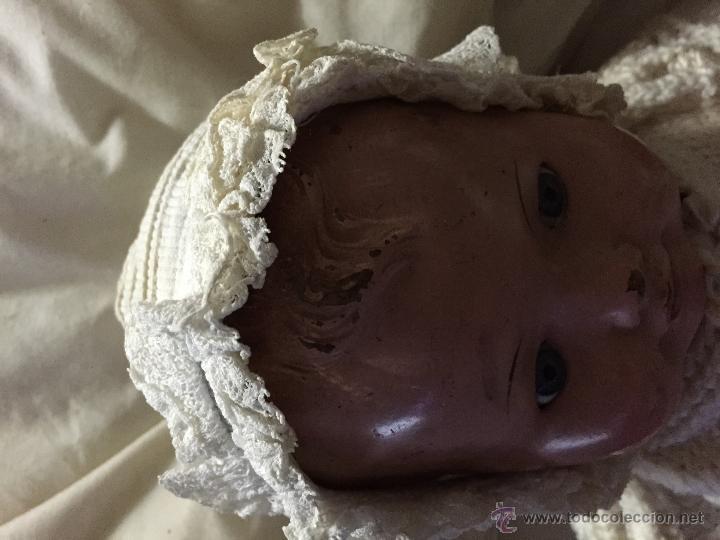 Juguetes antiguos y Juegos de colección: Antiguo gorrito de bebé en piqué de algodón y encaje - Foto 5 - 52738637