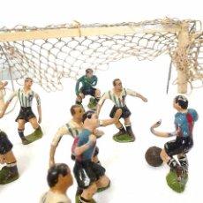 Juguetes antiguos y Juegos de colección - ANTIGUO JUEGO DE SALON DE FUTBOL JUGADORES EN PLOMO FC.BARCELONA RCD.ESPANYOL-XALMAS AÑOS 50-60 - 52937503