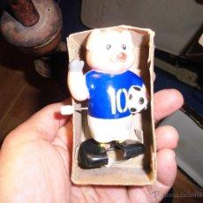 Juguetes antiguos y Juegos de colección - muñeco antiguo automata nº 10 futbol cerdito a cuerda funciona años 70 u 80 - 53492364