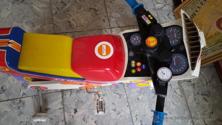 Juguetes antiguos y Juegos de colección: MOTO A PEDALES DE JUGUETE PARA NIÑOS, MARCA COLOMA Y PASTOR - Foto 5 - 54102685