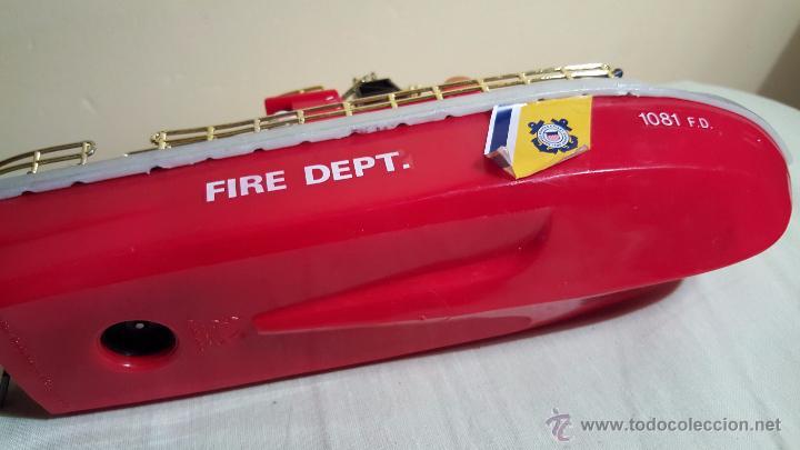 Juguetes antiguos y Juegos de colección: BARCO DE BOMBEROS, FIRE DEPT, DE new bright industrial, 1975, RARO! - Foto 2 - 54109699