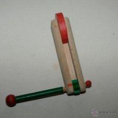 Juguetes antiguos y Juegos de colección: CARRACA DE MADERA. Lote 54383408