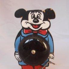 Juguetes antiguos y Juegos de colección: TIMBRE LLAMADOR MADERA MICKEY MOUSE ARTESANAL AÑOS 80 FUNCIONA. Lote 54963662