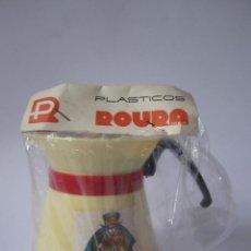 Juguetes antiguos y Juegos de colección: ANTIGUA JARRA DE JUGUETE DE PLÁSTICO ROURA 9 CM ALTO ACCESORIO DE COCINA. ALÍ BABÁ. .. Lote 55932413