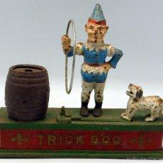 Juguetes antiguos y Juegos de colección - Trick Dog Iron Bank hucha hierro con movimiento perro que salta aro payaso años 20 - 56256437