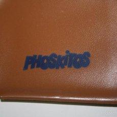 Juguetes antiguos y Juegos de colección: PHOSKITOS.ANTIGUA CARTERA DE BOLSILLO PARA NIÑO REGALO PROMOCIONAL.. Lote 56514088