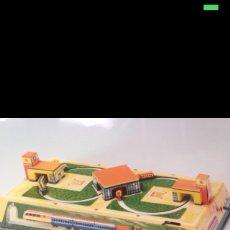Juguetes antiguos y Juegos de colección: JUGUETE CIRCUITO DE CHAPA. Lote 57052883