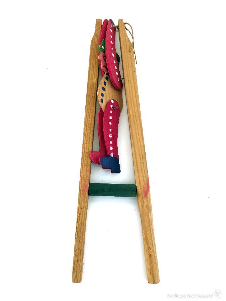 Bonito juguete de madera artesanal antiguo acr comprar - Juguetes antiguos de madera ...