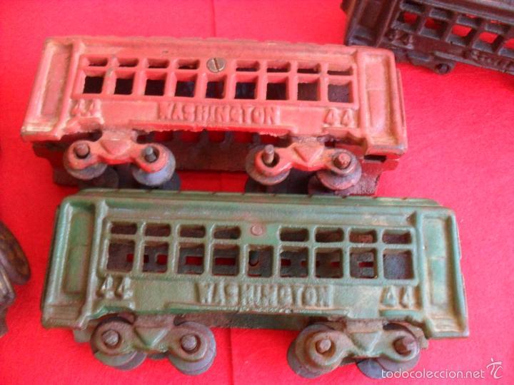 Juguetes antiguos y Juegos de colección: antiguo tren hierro,grande,pesa 5 kilos,años 40? no hay otro,hierro fundido,envio 7,50 certificado - Foto 3 - 177003684