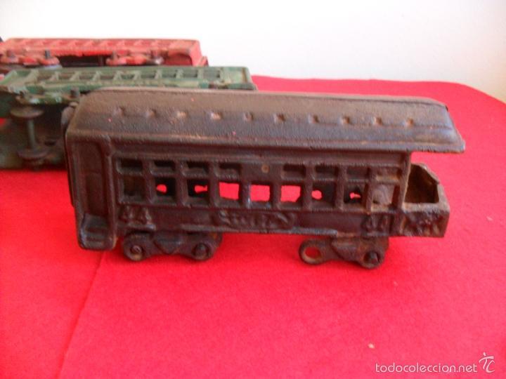 Juguetes antiguos y Juegos de colección: antiguo tren hierro,grande,pesa 5 kilos,años 40? no hay otro,hierro fundido,envio 7,50 certificado - Foto 4 - 177003684