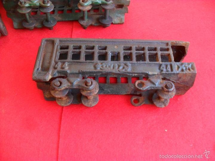 Juguetes antiguos y Juegos de colección: antiguo tren hierro,grande,pesa 5 kilos,años 40? no hay otro,hierro fundido,envio 7,50 certificado - Foto 9 - 177003684
