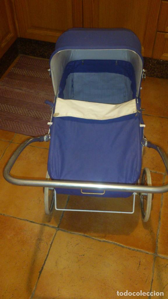 Juguetes antiguos y Juegos de colección: Antiguo carrito de bebe para muñecas de 60/70 cm,o para niñas. - Foto 3 - 67477033