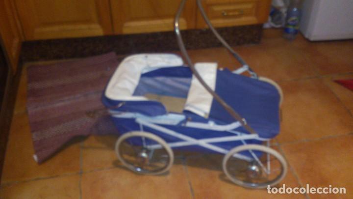 Juguetes antiguos y Juegos de colección: Antiguo carrito de bebe para muñecas de 60/70 cm,o para niñas. - Foto 7 - 67477033