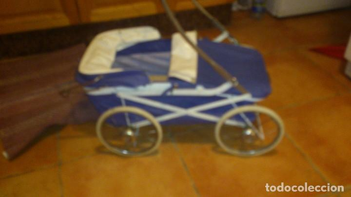 Juguetes antiguos y Juegos de colección: Antiguo carrito de bebe para muñecas de 60/70 cm,o para niñas. - Foto 8 - 67477033