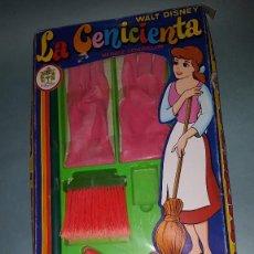 Juguetes antiguos y Juegos de colección: LA CENICIENTA WALT DISNEY DE PIQUE. Lote 67830753
