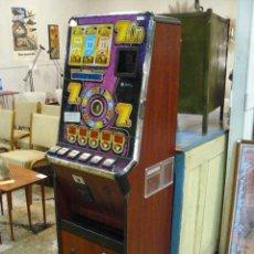 Juguetes antiguos y Juegos de colección: MAQUINA RECREATIVA. Lote 69983449
