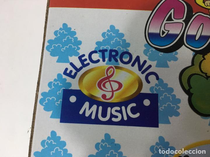 Juguetes antiguos y Juegos de colección: JUGUETE PARA NIÑOS DE + 5 AÑOS, TOBAGAN MUSICAL, ELECTRONICO DE MONOS, SIN ABRIR - Foto 5 - 82346964
