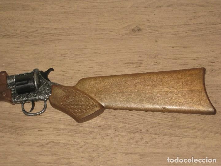 Juguetes antiguos y Juegos de colección: Escopeta de Juguete en Plástico y Metal Funciona Juguete de Hojalata Anos 60 - Foto 2 - 86672908