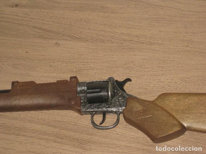 Juguetes antiguos y Juegos de colección: Escopeta de Juguete en Plástico y Metal Funciona Juguete de Hojalata Anos 60 - Foto 4 - 86672908