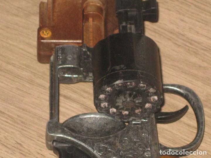 Juguetes antiguos y Juegos de colección: Escopeta de Juguete en Plástico y Metal Funciona Juguete de Hojalata Anos 60 - Foto 8 - 86672908