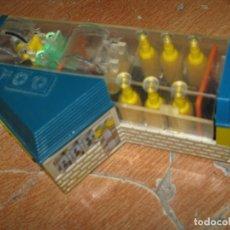 Juguetes antiguos y Juegos de colección: ANTIGUO JUGUETE AMERICANO ? LAVADERO CE COCHES CON RESTAURANTE PLASTICO. Lote 90168356
