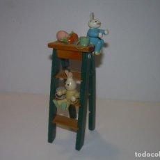 Juguetes antiguos y Juegos de colección: ANTIGUO Y PEQUEÑO JUGUETE DE MADERA.. Lote 92825435
