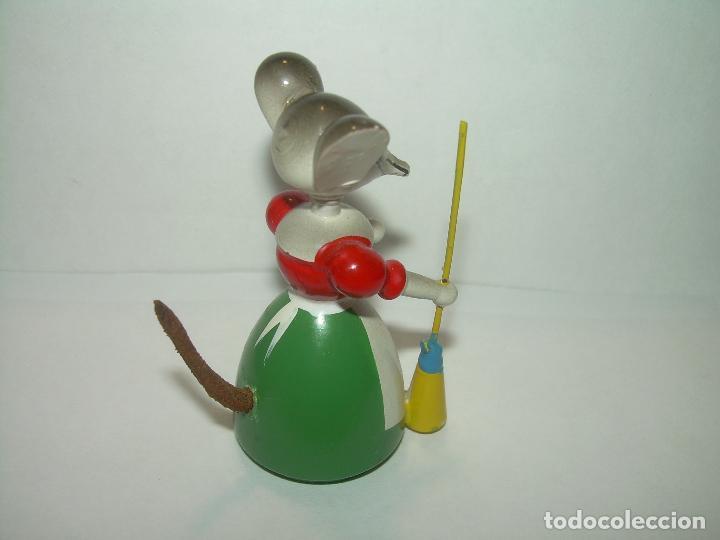 Juguetes antiguos y Juegos de colección: MUÑECO DE MADERA....GOULA...PERFECTO ESTADO DE CONSERVACION. - Foto 3 - 93833690