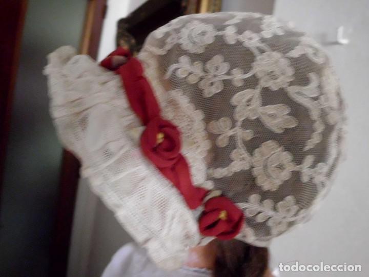 Juguetes antiguos y Juegos de colección: Antigua capota o gorro de tul bordado para muñeca antigua - Foto 6 - 97226827