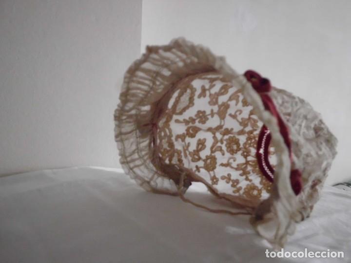 Juguetes antiguos y Juegos de colección: Antigua capota o gorro de tul bordado para muñeca antigua - Foto 8 - 97226827