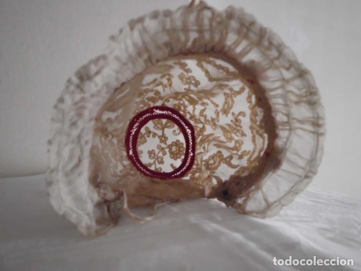 Juguetes antiguos y Juegos de colección: Antigua capota o gorro de tul bordado para muñeca antigua - Foto 9 - 97226827