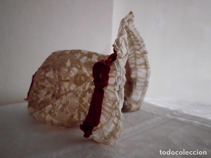 Juguetes antiguos y Juegos de colección: Antigua capota o gorro de tul bordado para muñeca antigua - Foto 10 - 97226827