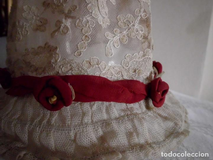 Juguetes antiguos y Juegos de colección: Antigua capota o gorro de tul bordado para muñeca antigua - Foto 13 - 97226827