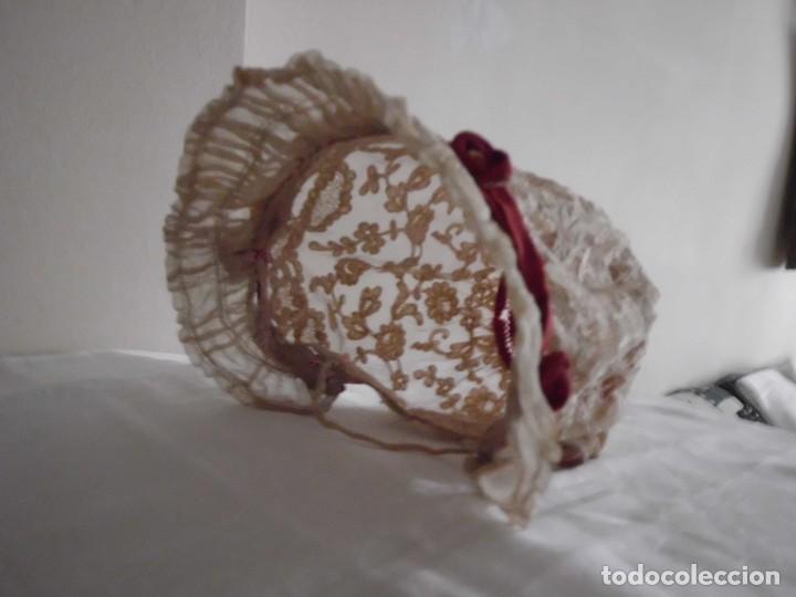 Juguetes antiguos y Juegos de colección: Antigua capota o gorro de tul bordado para muñeca antigua - Foto 14 - 97226827
