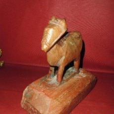 Juguetes antiguos y Juegos de colección: FANTASTICO JUGUETE CABALLO ANTIGUO DEL S. XIX EN MADERA TALLADA. Lote 99681203