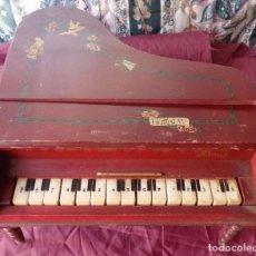 Juguetes antiguos y Juegos de colección: PIANO DE MADERA DE JUGUETE FUNCIONANDO AÑOS 50. Lote 100487235