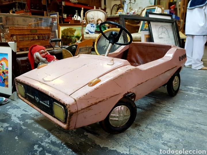 Antiguo Coche De Metal A Pedales Color Rosa F Comprar En