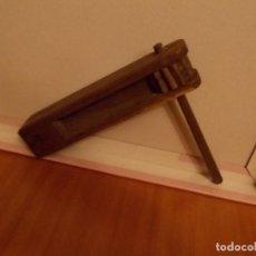 Altes Spielzeug und Spiele - Antigua carraca madera ,es de los años40 mide sobre 15 cent aprox - 103849007