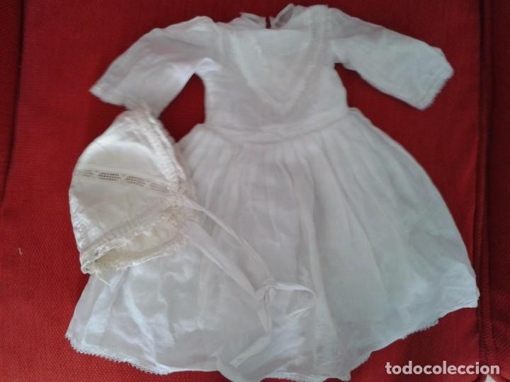 PRECIOSO VESTIDO BLANCO CON GORRO ANTIGUO ,PARA UNA MUÑECA DE PORCELANA DE 45 A 50 CM (Juguetes - Vestidos y Accesorios Muñeca Extranjera Antigua)