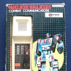 Juguetes antiguos y Juegos de colección: JUEGO DE WALKIE TALKIES COMBAT COMMUNICATORS, DE BOXER. JUGUETE ELECTRÓNICO. MODELO 4986.. Lote 105308203