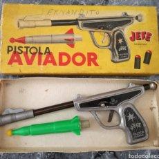 Juguetes antiguos y Juegos de colección: ANTIGUA PISTOLA AVIADOR JEFE AÑOS 60. Lote 105853794