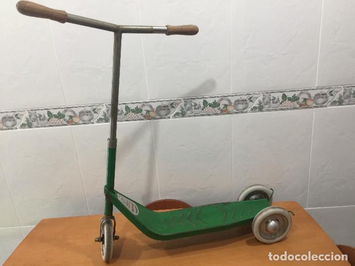 Juguetes antiguos y Juegos de colección: PATINETE JEFE SALUDES AÑOS 50 RARISIMO - Foto 13 - 109074015